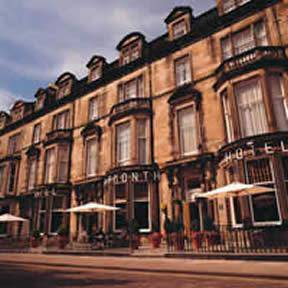 Picture of Learmonth Hotel