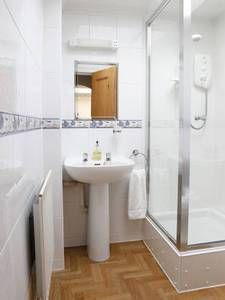 Picture of Basic Twin Room with Shared Bathroom