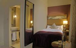 Picture of Compact Double Hilton Room